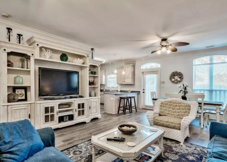 Beautiful Blue Bungalow - Sleeps 9 Emerald Shores Destin/Miramar Beach FL #3