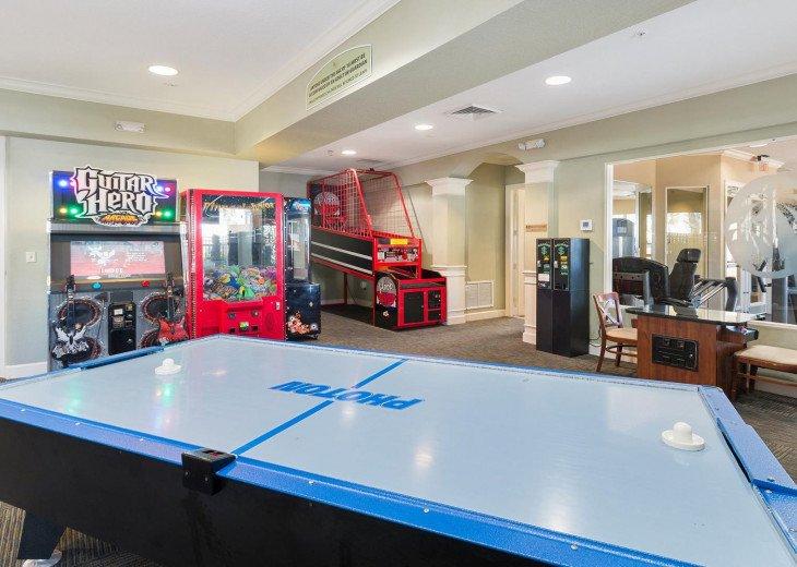 ❤️*Newly Renovated* Luxury 6BR Windsor Hills Pool Villa, 2 miles to Disney #44