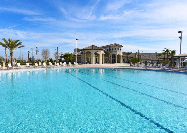 9BD 5BA Modern Champions Gate Villa Private Pool Spa Sleeps 20 #49