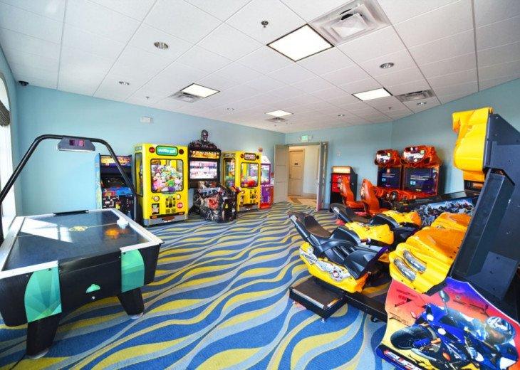 5BD 5BA Champions Gate. Games Room. Private Pool Spa. TV Loft. #45