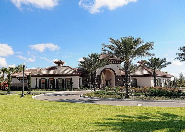 Stunning Affordable 5BD 5BA Town Home Solterra. Private Pool Star Wars TV Loft. #44