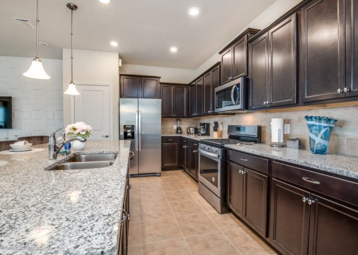 Stunning Affordable 5BD 5BA Town Home Solterra. Private Pool Star Wars TV Loft. #10