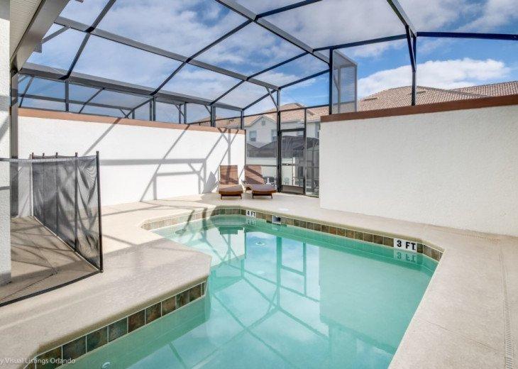 Modern 4BD 3BA Town Home Sleeps 10. Pool. Lazy River, Bar, Restaurant Resort! #23