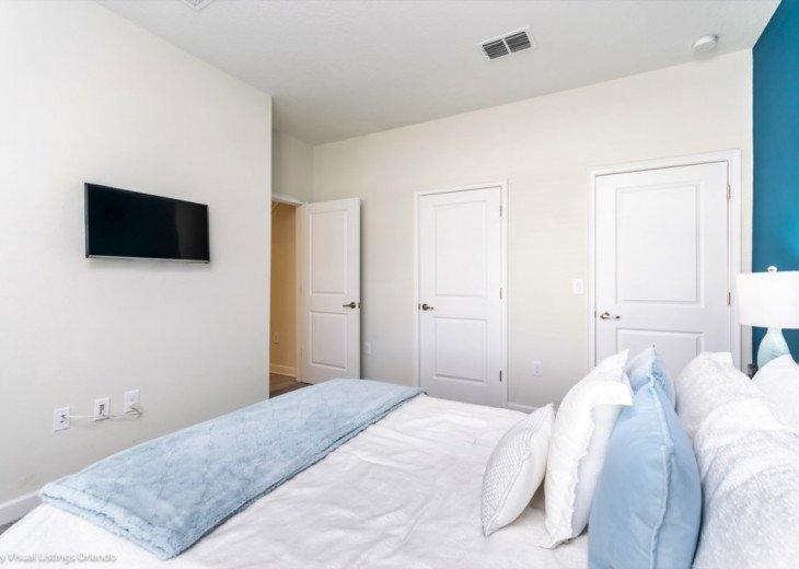 Modern 4BD 3BA Town Home Sleeps 10. Pool. Lazy River, Bar, Restaurant Resort! #12