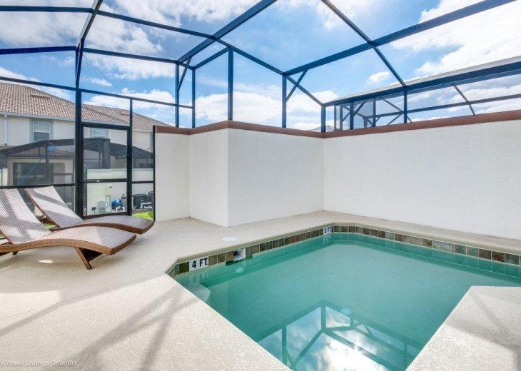Modern 4BD 3BA Town Home Sleeps 10. Pool. Lazy River, Bar, Restaurant Resort! #25