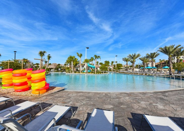 Modern 4BD 3BA Town Home Sleeps 10. Pool. Lazy River, Bar, Restaurant Resort! #30