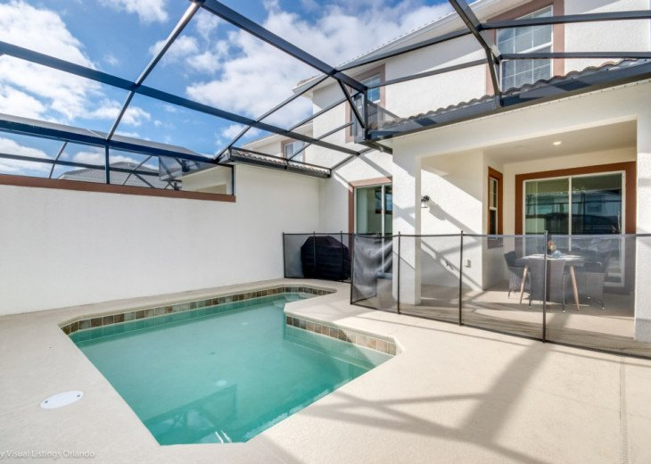 Modern 4BD 3BA Town Home Sleeps 10. Pool. Lazy River, Bar, Restaurant Resort! #26