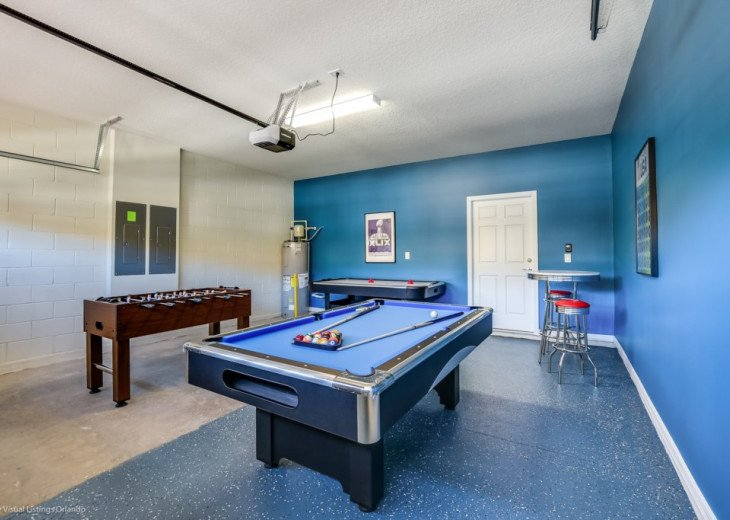 Beautiful 8BD 5BA Windsor at Westside. Private Pool/Spa. Games Room. Cinema Loft #18