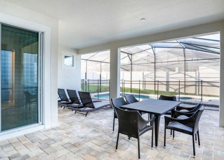 Modern 6BD 5BA Pool and Spa Free use of Solara Resort Facilities #32
