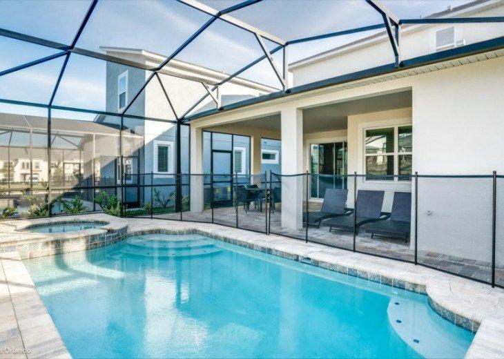 Modern 6BD 5BA Pool and Spa Free use of Solara Resort Facilities #39