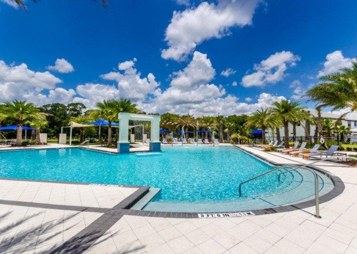 Modern 10BD 8BA Sonoma. Pool/Spa. Cinema Room. Free use of Resort Facilities. #62