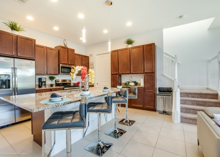Fantastic 5BD 4BA Town Home Private Pool Free use of Festival Resort Facilities. #3