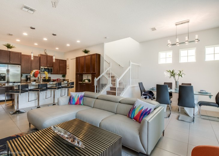 Fantastic 5BD 4BA Town Home Private Pool Free use of Festival Resort Facilities. #4