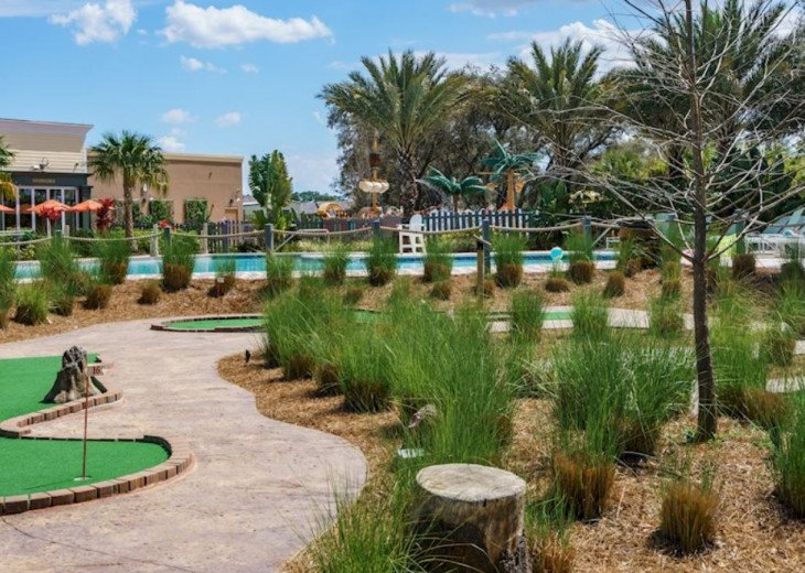 Fantastic 5BD 4BA Town Home Private Pool Free use of Festival Resort Facilities. #68