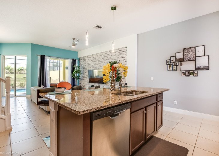 Fantastic 5BD 4BA Town Home Private Pool Free use of Festival Resort Facilities. #6