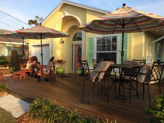 Beach Cottage with Spectacular sunrises! Pet friendly! One block to beach! #1