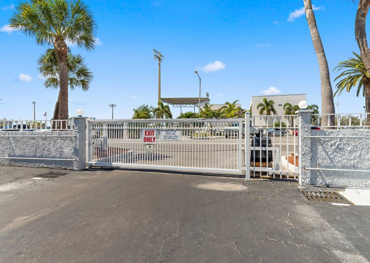 Two Heated Pools! Clearwater/ St. Pete Area Bargain! #49