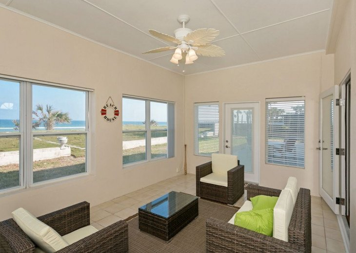 Great beach house, room for 10, ping pong table, sun room, easy access to beach! #10