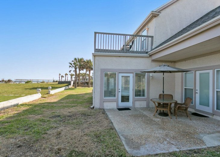 Great beach house, room for 10, ping pong table, sun room, easy access to beach! #11