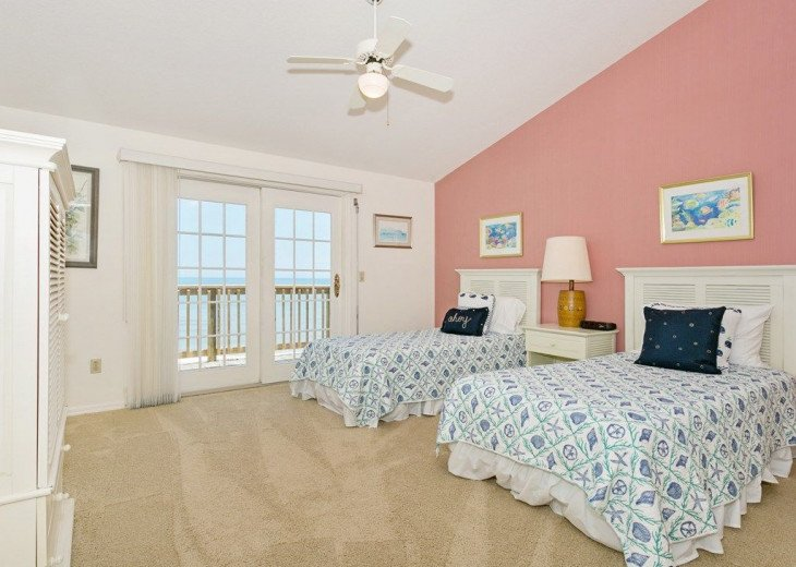 Direct oceanfront beach house. Casual comfort that makes you feel right at home. #12