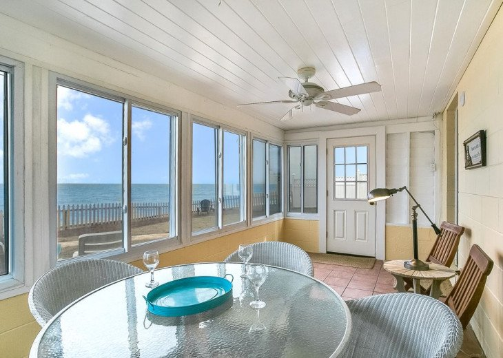 Budget friendly, casual beach house, close to St. Augustine. Pet friendly. #10