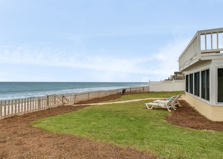 Budget friendly, casual beach house, close to St. Augustine. Pet friendly. #18