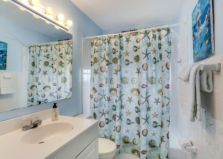 Budget friendly, casual beach house, close to St. Augustine. Pet friendly. #9