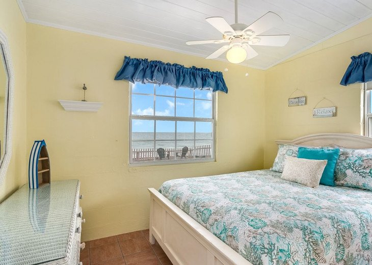 Budget friendly, casual beach house, close to St. Augustine. Pet friendly. #19