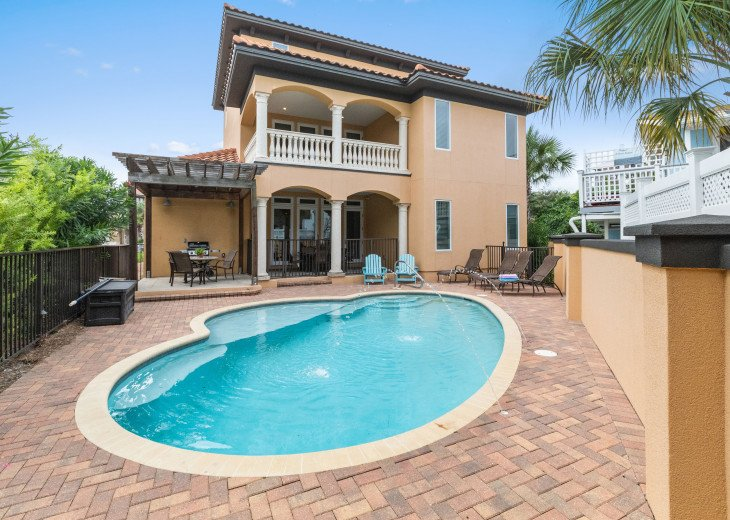 Luxury Home - Private Pool and Beach - Pool Table - Easy 3 minute walk to beach #48