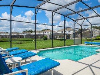 Plenty of privacy on pool deck