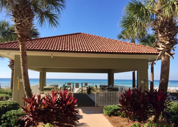 Fall Best Time to Go! Low Rates! Coral Reef. Beachfront. 1500 sq ft #19