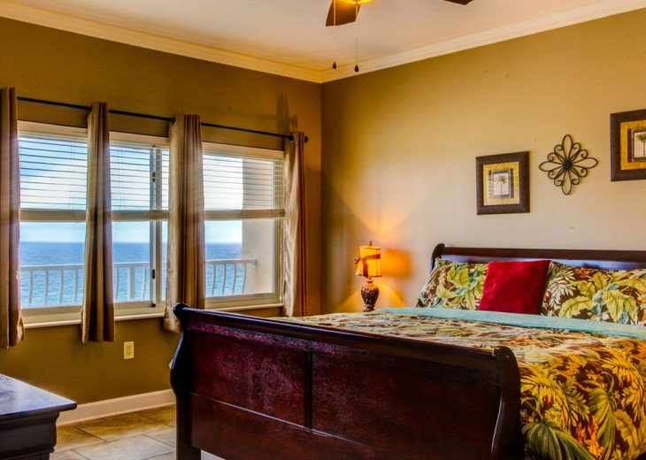 Fall Best Time to Go! Low Rates! Coral Reef. Beachfront. 1500 sq ft #6