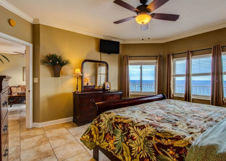 Fall Best Time to Go! Low Rates! Coral Reef. Beachfront. 1500 sq ft #8