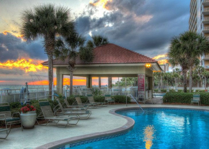 Fall Best Time to Go! Low Rates! Coral Reef. Beachfront. 1500 sq ft #17