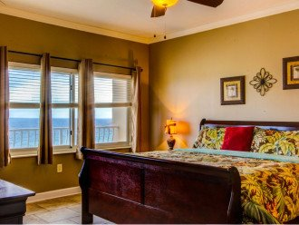 Fall Best Time to Go! Low Rates! Coral Reef. Beachfront. 1500 sq ft #1