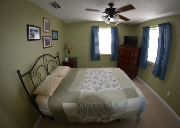 Great Rates! Just 200 ft from the Beach, Pet Friendly Home! #7