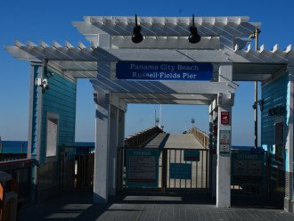 A short 5 minute walk to the fishing pier!