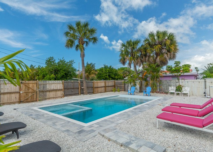 Sea Shell Beach Cottage - Private Pool #13