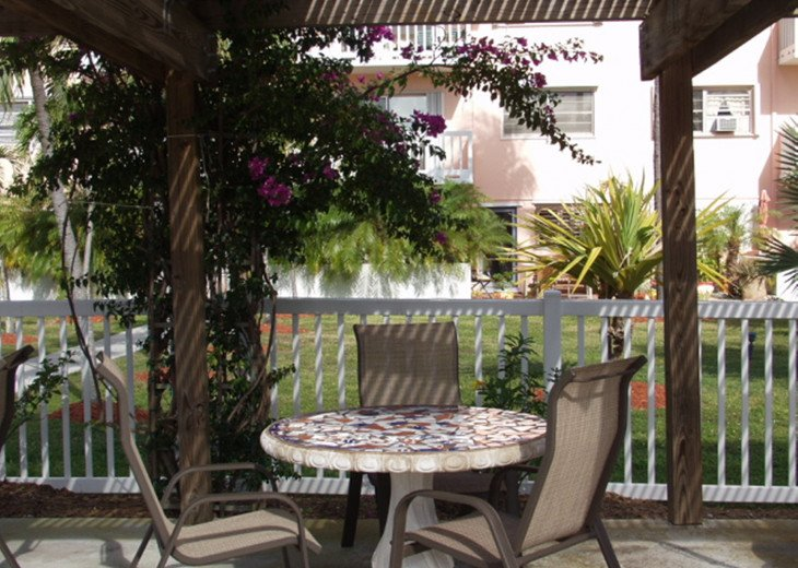 Seaside Paradise monthly rentals- 2 pools, close to Old Town #16
