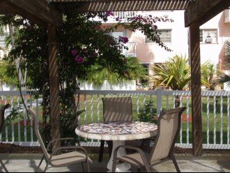 Seaside Paradise monthly rentals- 2 pools, close to Old Town #1