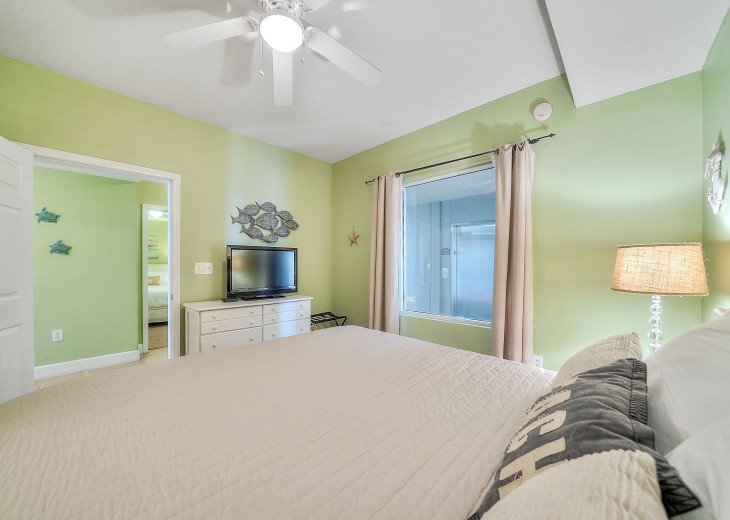 NEW LISTING! Tidewater 911 - Relaxing 2BR/3BA Oceanfront Paradise - Sleeps 8 #18