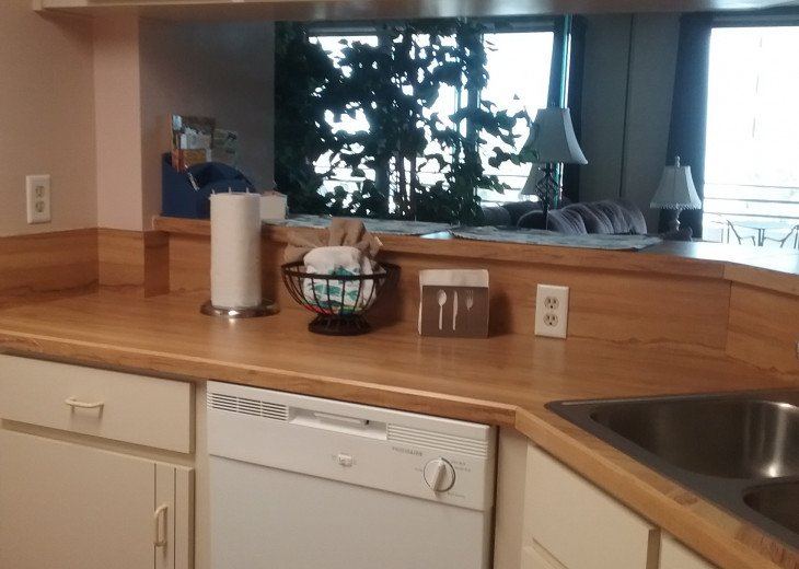 2BD 2BA Updated beautiful beach condo! FREE HIGH SPEED WIFI #11