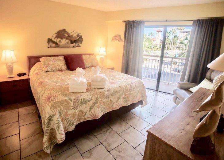 Awesome beachfront 1 bedroom condo #14