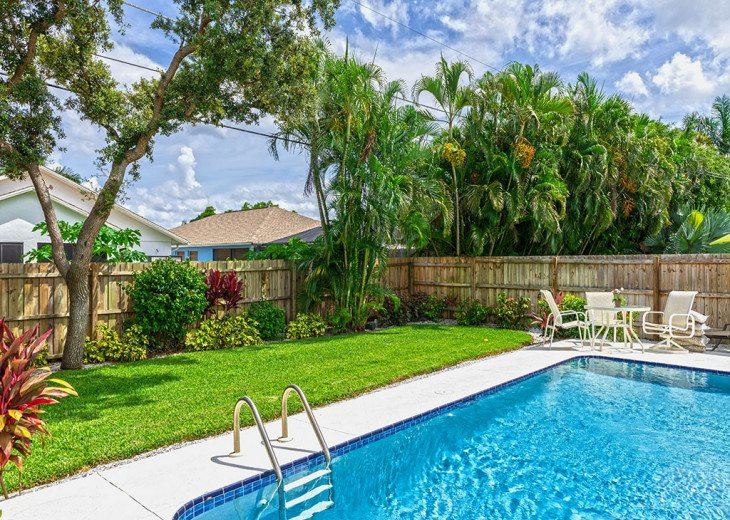 Last Mango - Home with Pool and Walking Distance to Beach! Pet Friendly #28