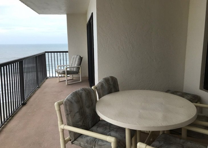 Incredible Ocean and Sunset Views Sandpoint Condo On The Beach 7F #5