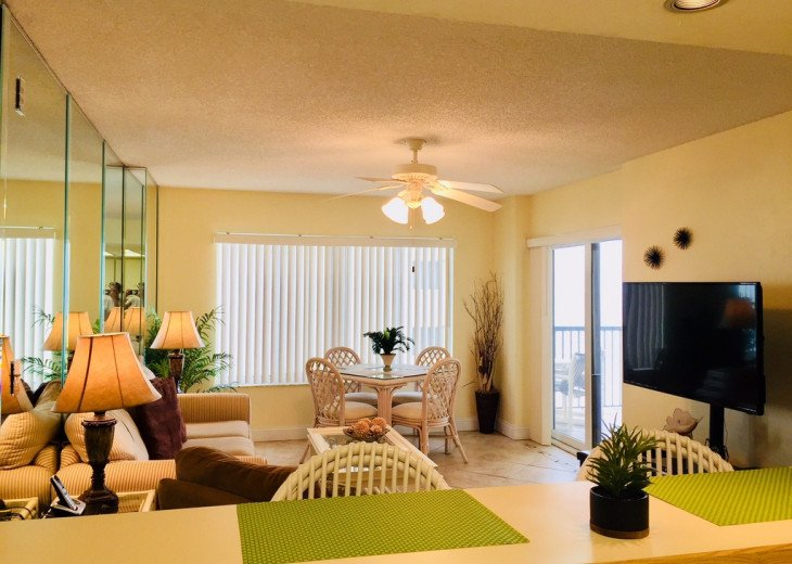 Sandpoint Newly Remodeled 4D - Beachfront Condo 2/2 Free Wifi #8
