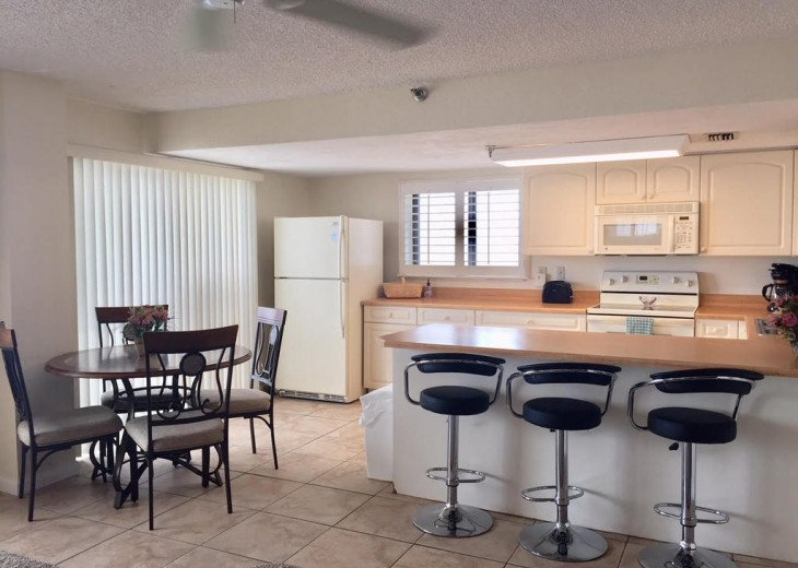Oceanfront 2/2 Condo - Sunglow-At The Sunglow Pier #6