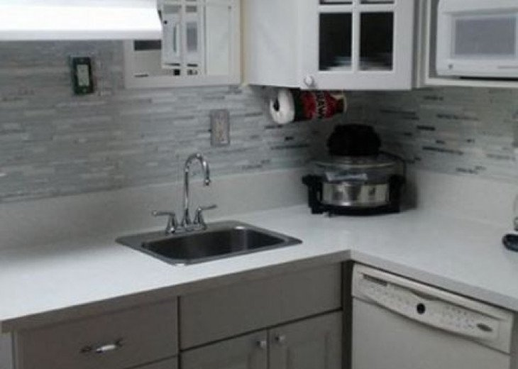 Gulf Front condo PRIVATE JACUZZI BATH and almost a mile of secluded beach #17