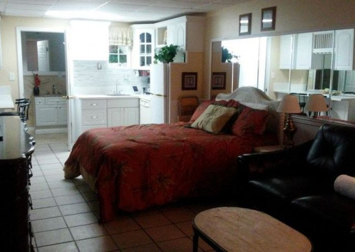 Gulf Front condo PRIVATE JACUZZI BATH and almost a mile of secluded beach #10