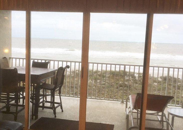 Peaceful oceanfront 2 bedroom condo #17